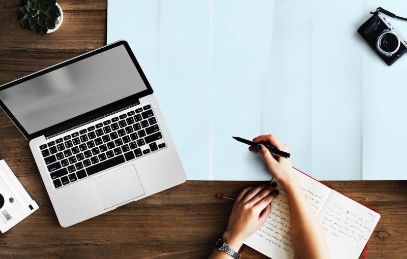 Rozluźnianie napięć podczas pisania ręcznego i na klawiaturze