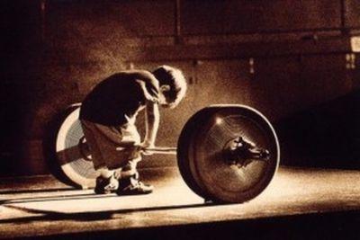 Wartość silnej determinacji w kontekście medytacji Vipassana